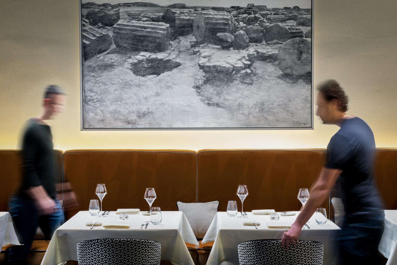 Restaurant interior mit Personen