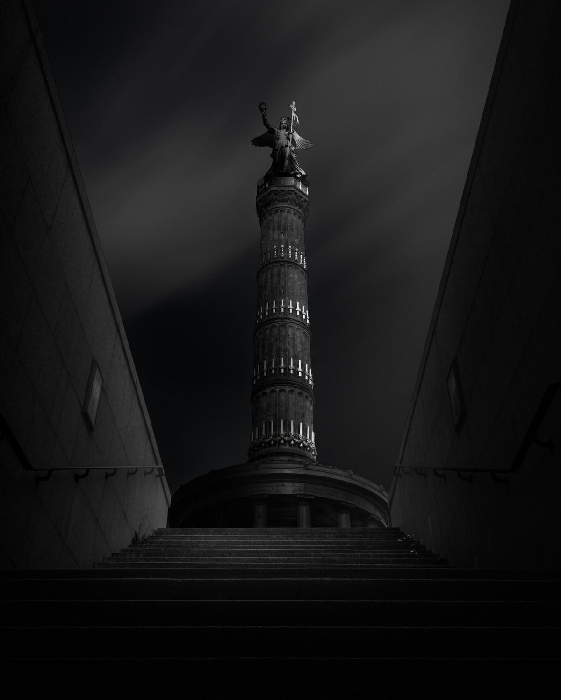 siegessäule berlin mit wolken